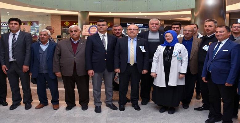 """Vali Mustafa Tutulmaz """"14 Kasım Dünya Diyabet Günü"""" Nedeniyle Düzenlenen Etkinliğe Katıldı."""