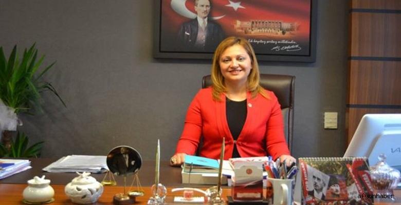 """""""ATA'NIN FİKİRLERİ YOL GÖSTERİYOR"""""""