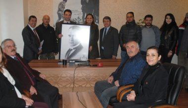 """""""Her yer Atatürk posterleri ile dolmalı"""""""