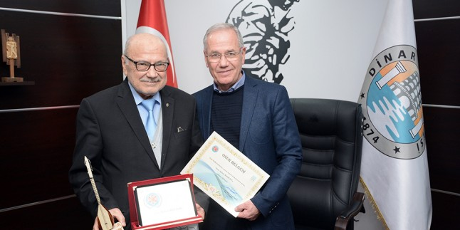 Ödüllü Yazar Kalkan'dan Başkan Acar'a teşekkür ziyareti