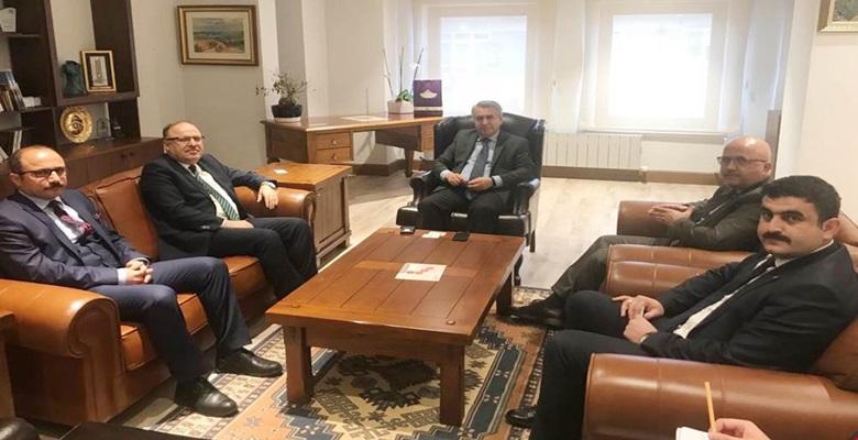Vali Tutulmaz UNESCO Türkiye Millî Komisyon Başkanına Ziyarette Bulundu