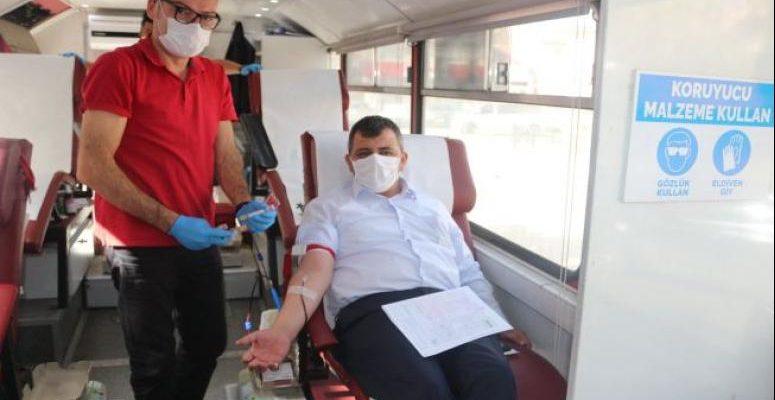"""Başkan Koyuncu'dan """"Kan Ver Afyon"""" kampanyasına destek"""